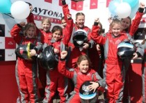 susie wolff s dare to be different campaign takes off at daytona sandown park